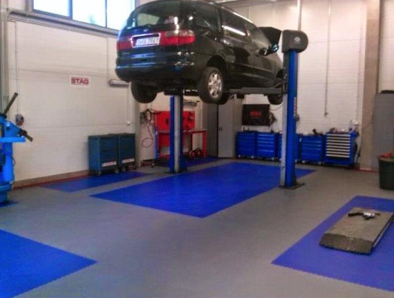 odolná podlaha do pneuservisu