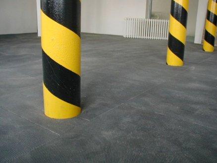 priemyselná podlaha s recyklátu gulicky