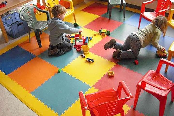 podlahy pre škôlky a školy