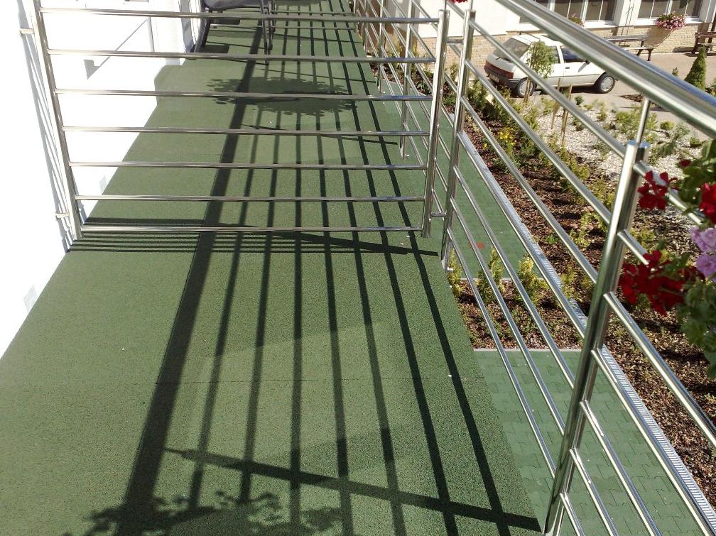 podlaha do exteriéru